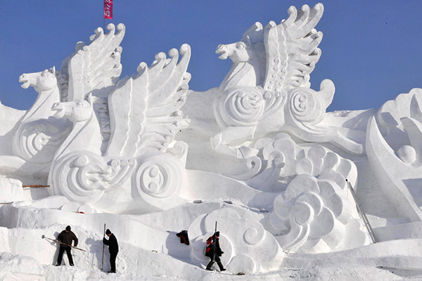 China - Giant Ice Sculpture3