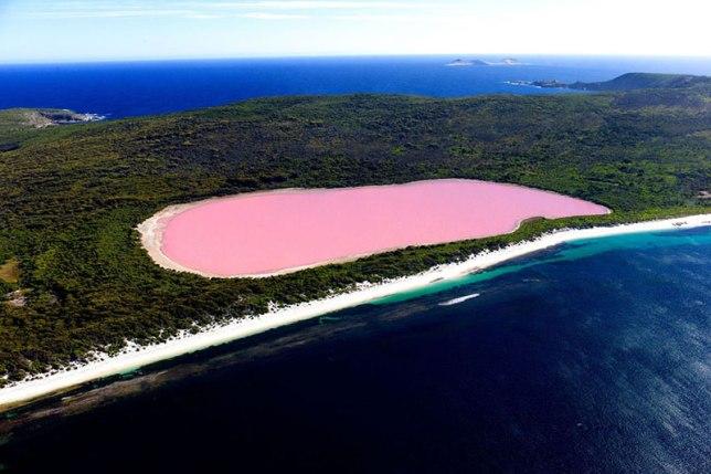 Lake Hillier – Australia