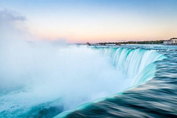 0_light-sunrise-niagara-falls-canada_74307_600x450