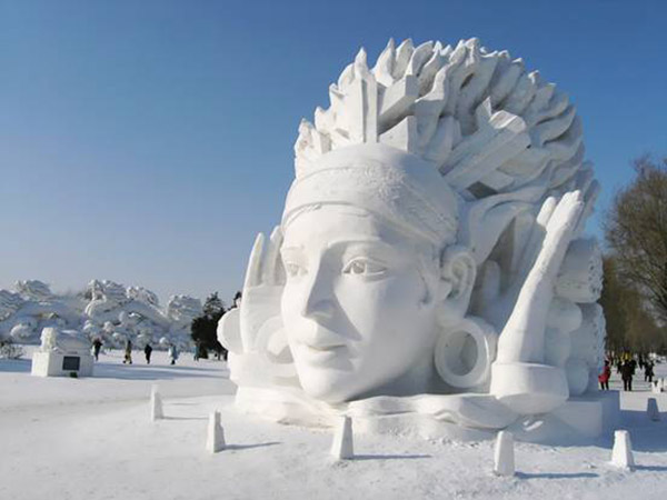 China - Giant Ice Sculpture6