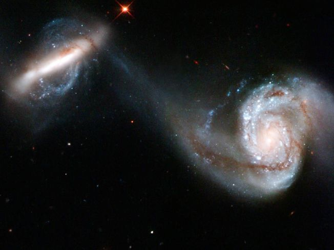 interacting-galaxies_1009_990x742