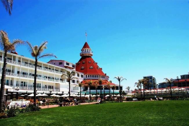 Hotel Del Coronado, facebook