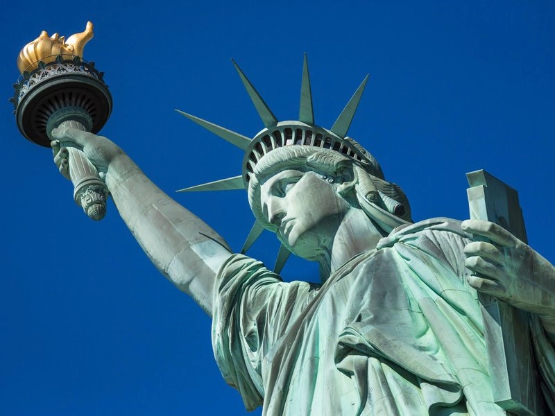 statue of liberty and san diego essay A woman who climbed the base of the statue of liberty to protest the separation of migrant families was charged with three federal counts and could face up to 18 months in prison, according to .