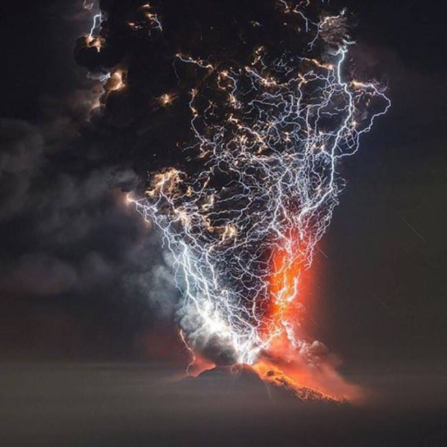 Volcanic Eruption Lightning, FB