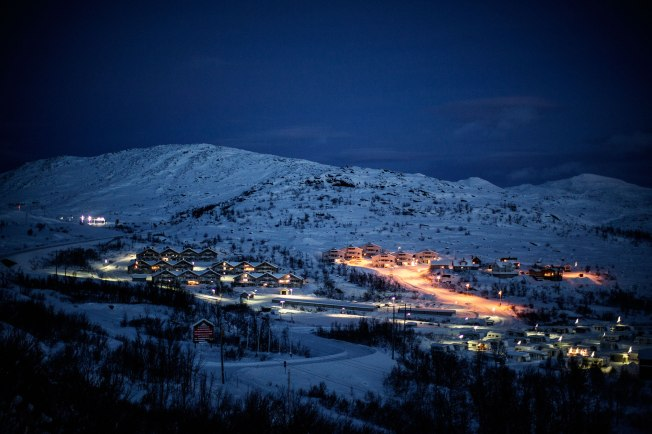Riksgränsen is a small Swedish town 200 km north of the polar cirkel right on the border to Norway until early 80´s the only communication by land was via the railway that transports Iron for the Swedish town of Kiruna to the Norwegian harbor in Narvik.