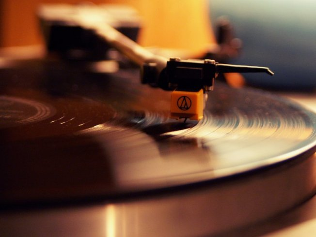 Music Chills, Turntable, Smithsonian