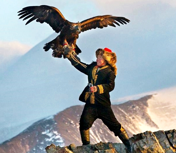 Girl, Mongolia, Eagle Huntress, NatGeo-crop